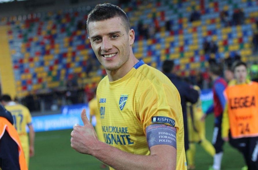 Daniel Ciofani, attaccante del Frosinone, nella partita contro la Pro Vercelli ha indossato la fascia di capitano della nostra Fondazione